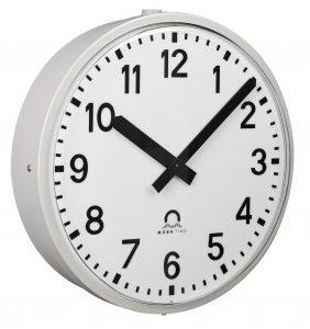 Analogue outdoor clock - Metroline